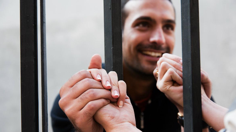 Ukraine: EU and CoE present handbook on prisoners' rights