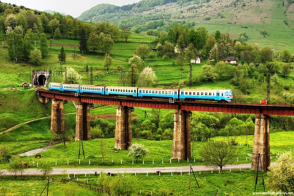 Ukrainian Railway granted cross default waiver on USD 464 mln debt