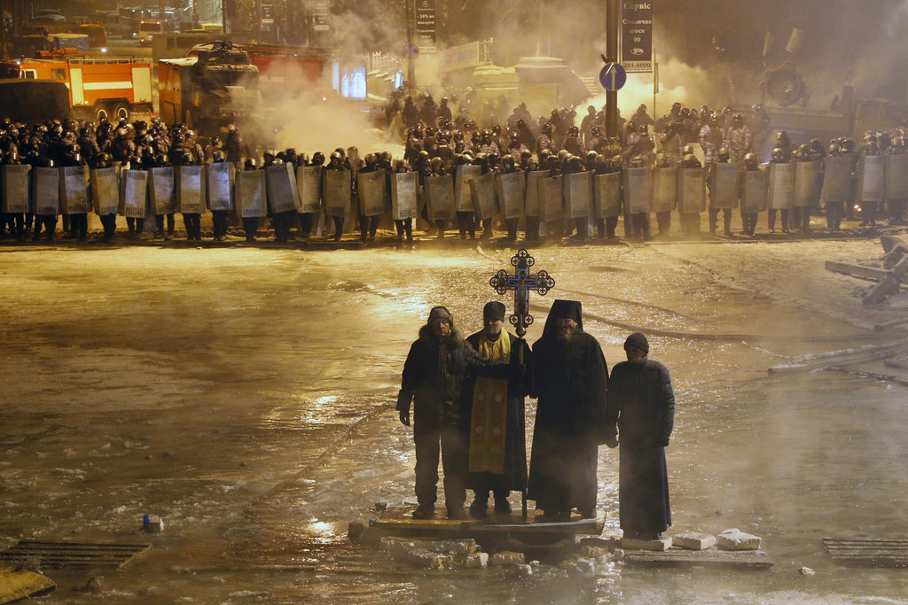 """New York Times highlights Ukraine photo in its """"2014 The Year in Pictures"""""""