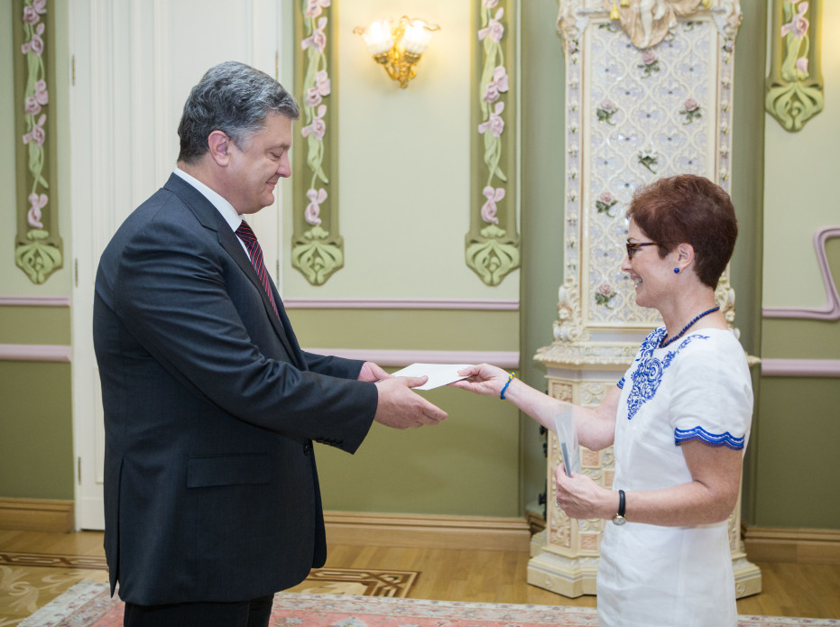 Poroshenko accepts credentials of Ambassadors of United States, Romania, Brazil and Egypt