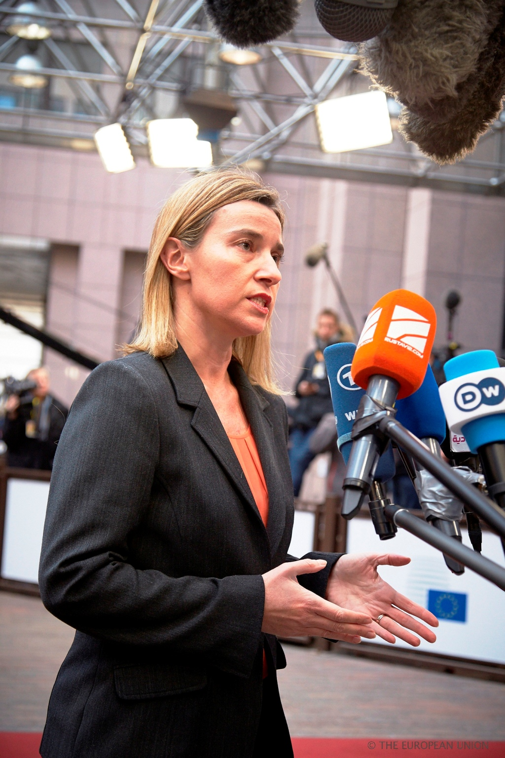 EU's Mogherini discusses gas supply and Ukraine situation with Lavrov