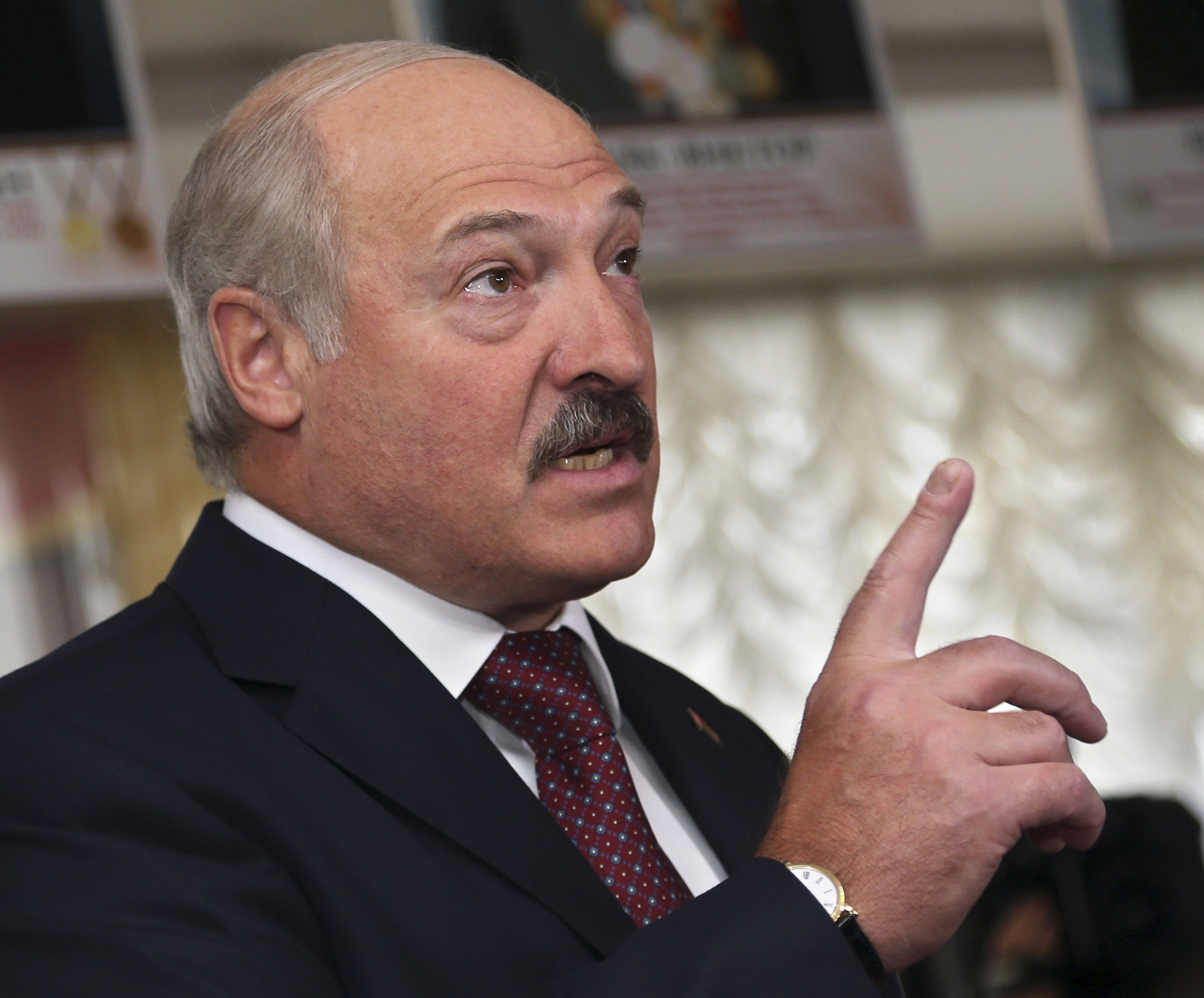 Belarus Not Threatened by a Ukrainian Scenario: It has Its Own 'Little Green Men,' Ukrainian Analyst Says