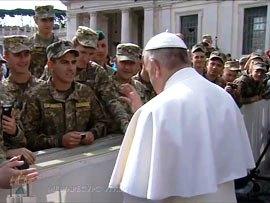 Pope Francis blesses Ukrainian military servicemen