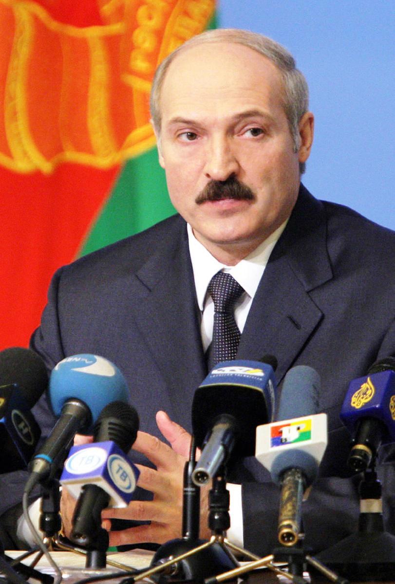Lukashenko dismisses Belarus prime minister and top ministers