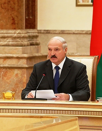 Belarusian president orders trade with Russia only in Euros or U.S. dollars