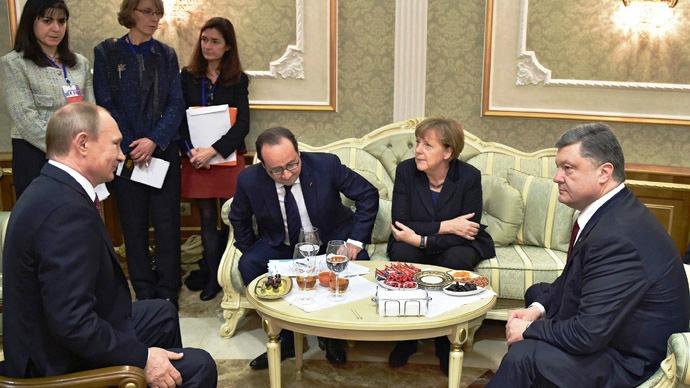 Poroshenko, Merkel agree to intensified peace talks