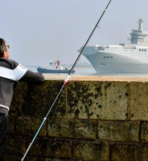 Russia officially gives up on Mistral deal