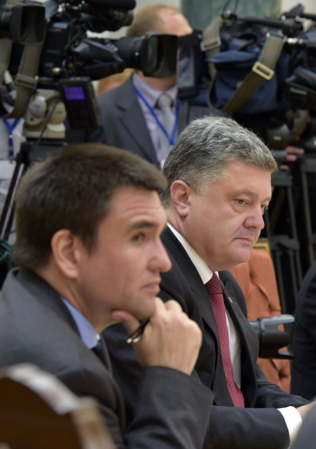 Putin and Poroshenko meeting in Minsk makes little progress