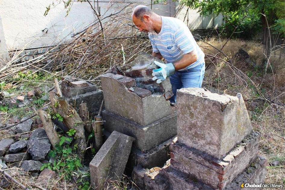 Vandalized Again, Historic Jewish Cemetery in Mariupol Is Near Destruction