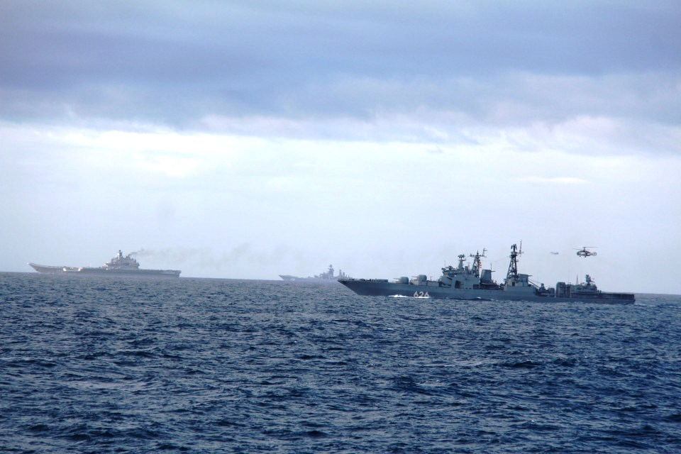 Putin nuclear fleet 'enters the English Channel' as Russia mocks Britain's 'overreaction'