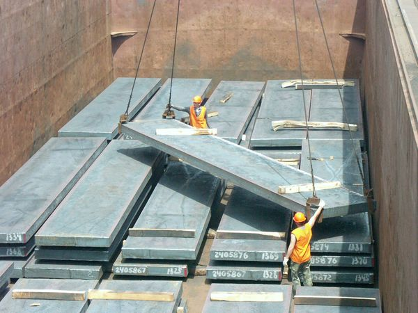 Metinvest's Azovstal to reduce iron & steel output 18% in February