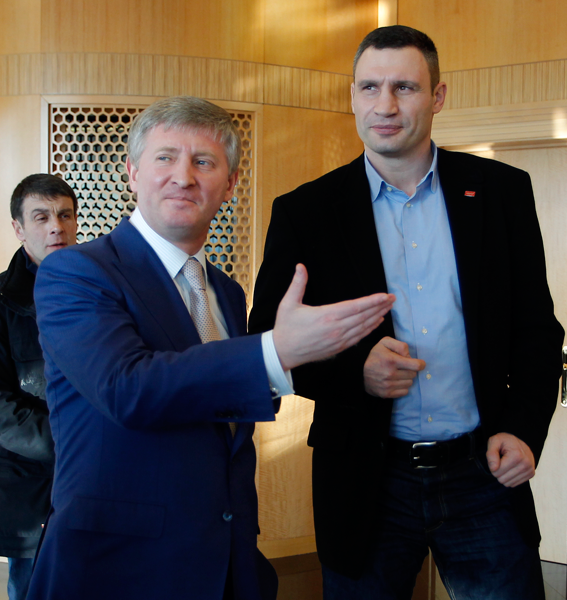 Klitschko meets with Akhmetov during Donetsk trip