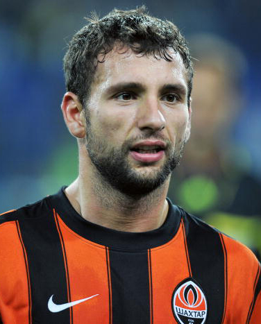 West Ham sign Shakhtar defender Rat
