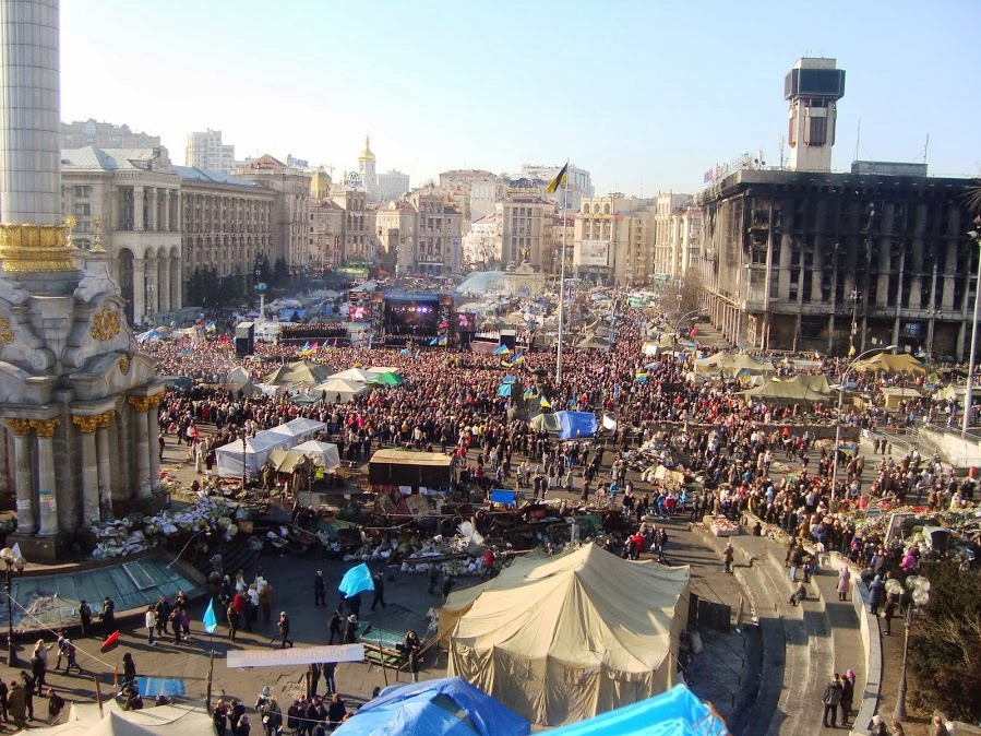 Huge throngs honor Shevchenko's birthday – and the Maidan victims of sniper fire