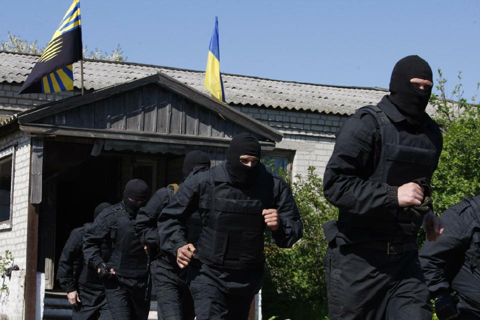 Ukraine soldiers to government: we're coming for you next