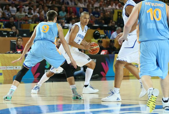 "Finnish basketball ""wolf pack"" beats Ukraine"