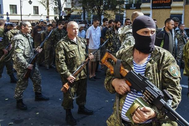 Ukraine rebels seek 'special status', crisis talks to resume on Friday