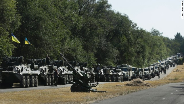 Official: Russian forces back separatists with tanks in eastern Ukraine