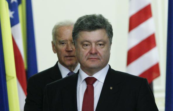Ukraine leader, under pressure from West, pledges new government soon